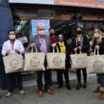Locatarios del Barrio Almendral de Valparaíso hacen entrega de más mil mascarillas al Hospital Carlos Van Buren